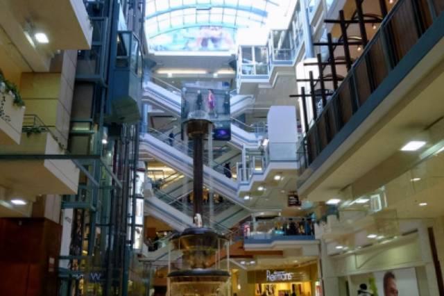 """美洲""""地下城"""",2个大学、2000个商店,一天50万人进出"""