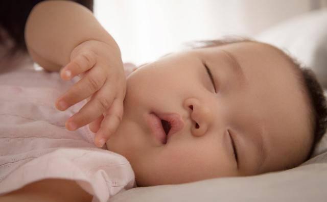 孩子处于深睡眠中才更健康,这几个判断标准,看看你家孩子睡好没