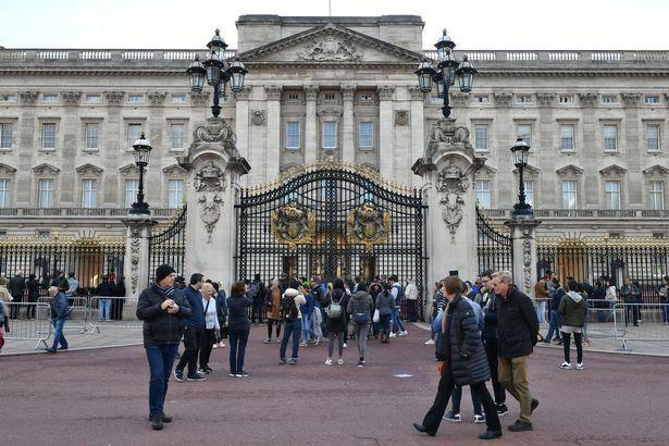 英国王室也被疫情整惨了:今年预计减收1.5亿元,员工薪水要被冻结
