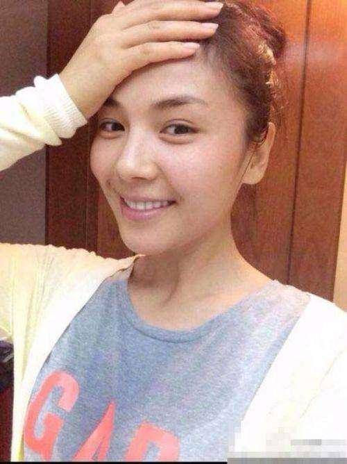 女星素颜,刘亦菲试镜少女感十足,景甜晒照分享护肤心得