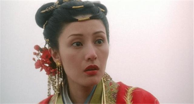 2003年,李嘉欣的《花魁杜十娘》,首日票房2萬元,她說盡力了