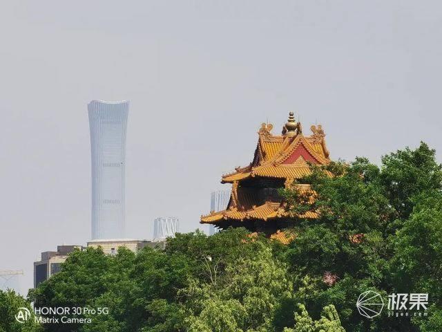 一眼千年望穿北京!一部手机的时空穿梭之旅(附激燃视频)