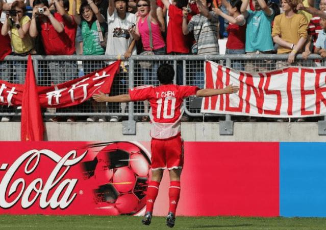 17岁的陈涛第一次登上那会还叫甲A联赛的赛场。