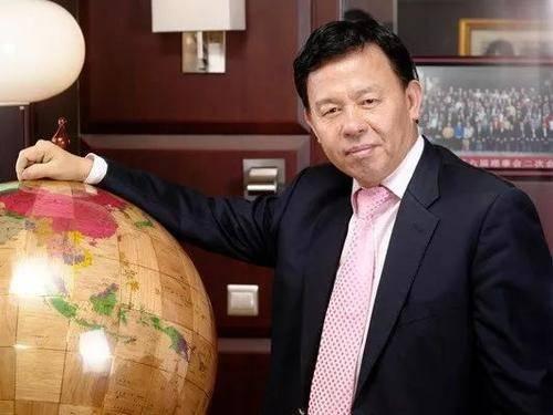 原创本来靠卖豆腐为生,老爸却告诉他在深圳有块地,如今身家285亿