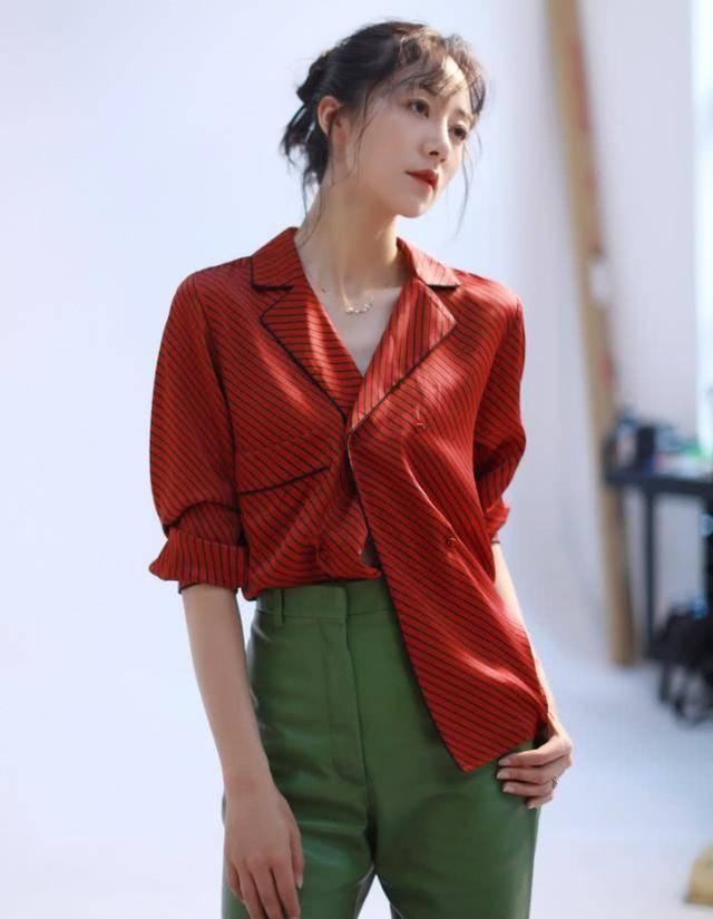 """原创韩雪红色亮片裙秀长腿,时尚发力美得""""失了真"""",气质太出众"""
