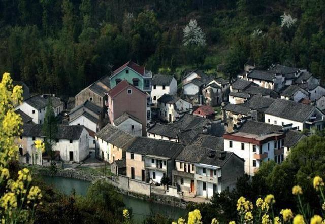 浙江一个自来水古村,家家户户门口通水,排水系统举世无双!