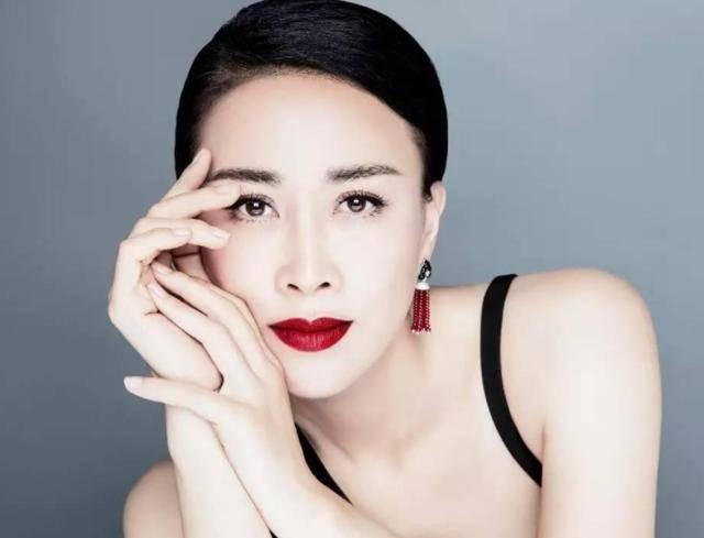 她是华语歌坛天后,情商却很堪忧,得罪大半个娱乐圈依然我行我素