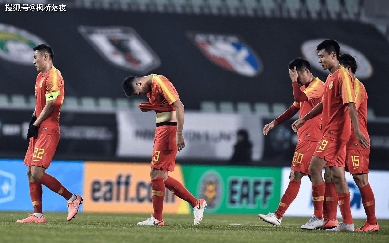 谁说中国足球没有血性汉子?球队解散后42岁土帅最后离开,义气!