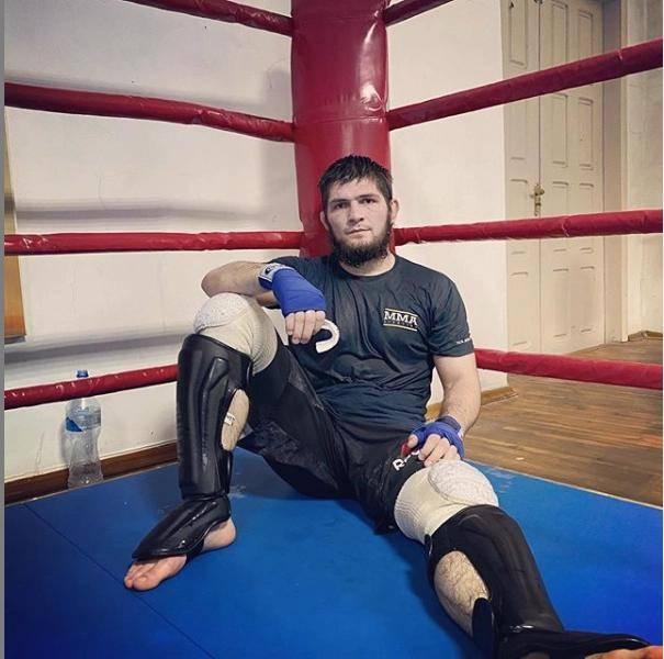 UFC众叛亲离!小鹰暗示可能退役:关于我的未来,我会很快发声明