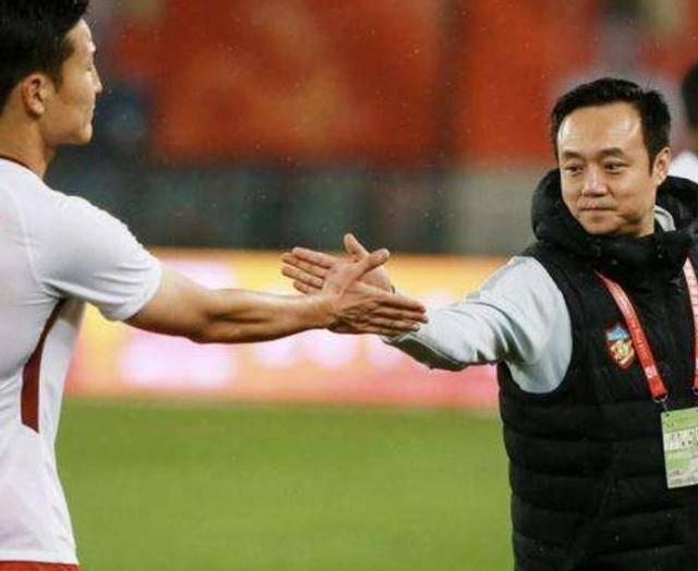 广州恒大都做不到!中超豪门新赛季引进11人,创纪录