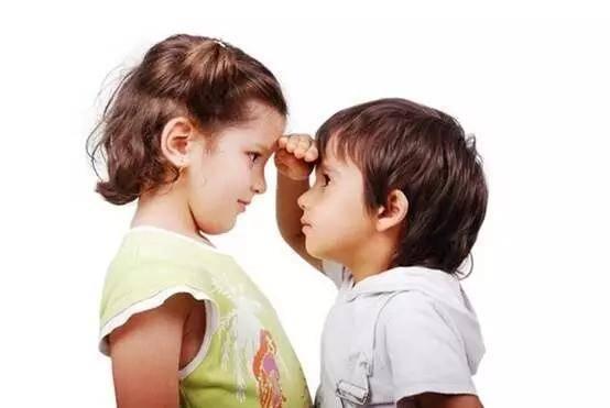 原创孩子睡前几个坏习惯,正在偷走身高发育,第一个很多父母都忽视了