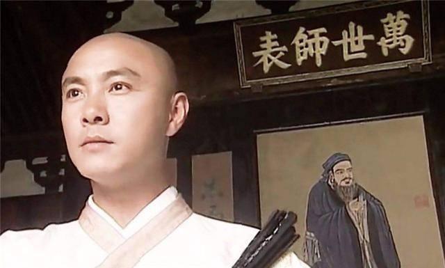 五部以男主角命名的电视剧:张卫健一个人四部,吴奇隆仅有一部!_剧中