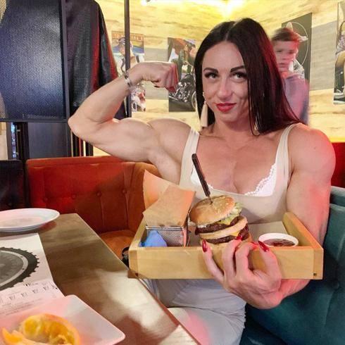 体重69公斤的肌肉妹子,肌肉质感完美,出场便秒杀大部分男人 减肥方法 第4张