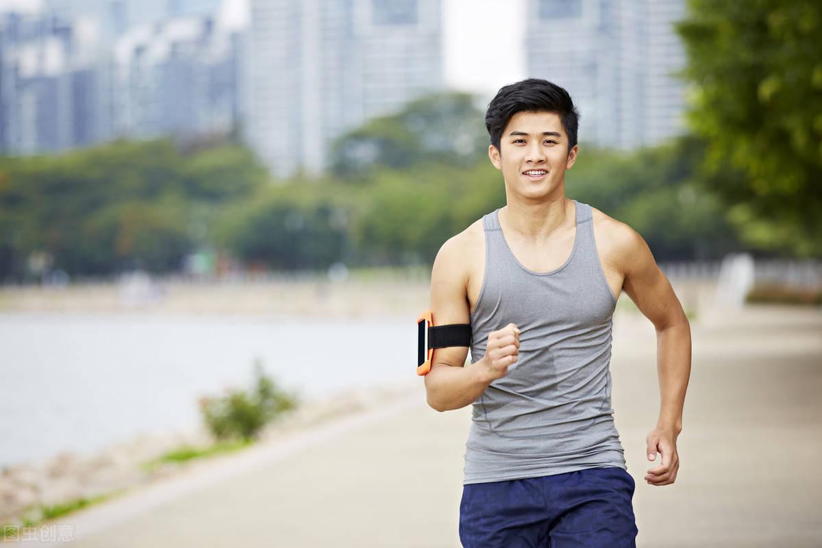 49岁黄磊瘦了!他每天跑步5公里,不知不觉暴瘦12斤! 减脂食谱 第6张