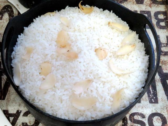 夏天,蒸米饭加点这东西,调脾胃去火气还防暑,家人尤其爱吃 增肌食谱 第2张