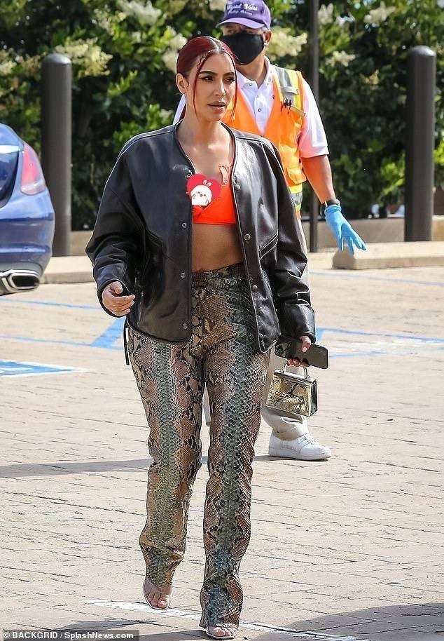 原创             金卡戴珊跻身10亿美金俱乐部,科蒂入手2亿刀,10年造就时尚帝国
