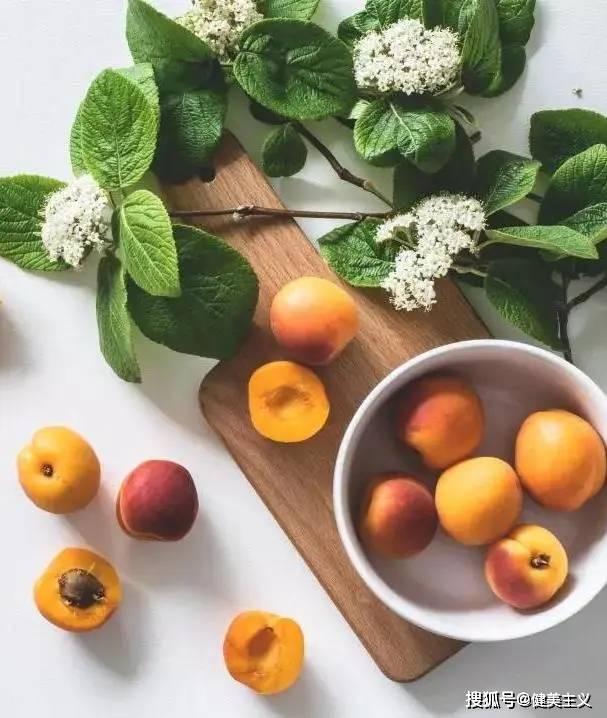 夏季正在减肥的你,应该知道吃什么水果更容易保持好身材! 锻炼方法 第2张