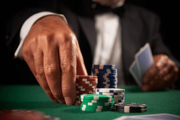 """""""商界大佬""""沾染赌博?挪用公款输掉十几亿,"""