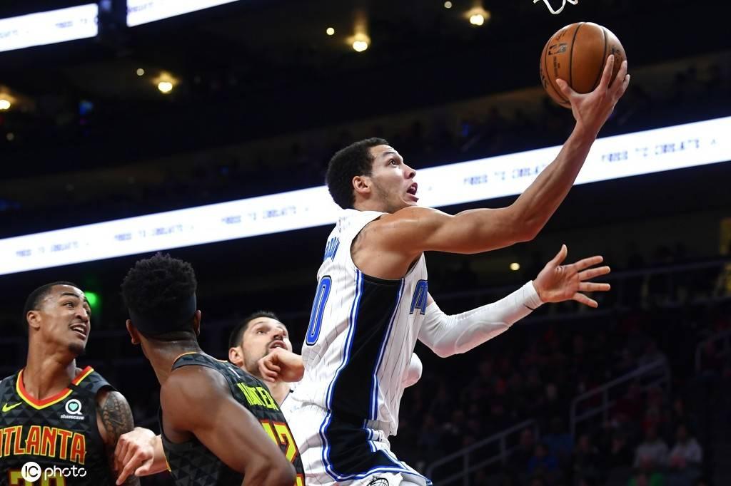 3日综述:NBA感染球员达到25人 勇士或报价无冕扣神