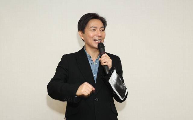 56岁香港男演员闪婚内地姑娘,直言:我不富裕,但会为了女儿努力