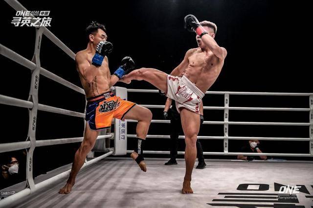 我国搏击名将加入亚洲顶级搏斗赛