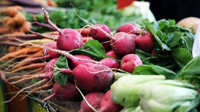 切记!这4种常吃的蔬菜,炒之前必须焯水!不然小心祸及上身