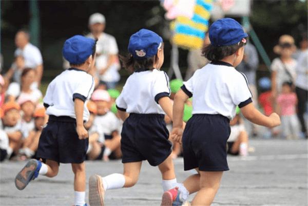 原创00后比90后少了4700万:为什么年轻人不愿意生孩子了?