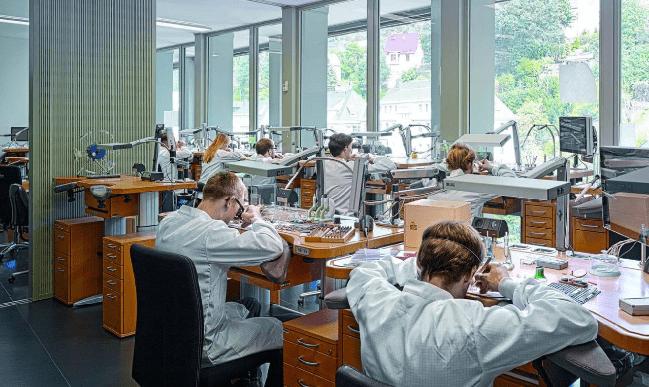 这个德国品牌在生产的,是让瑞士制造都相形见绌的奢华腕表_德国新闻_德国中文网