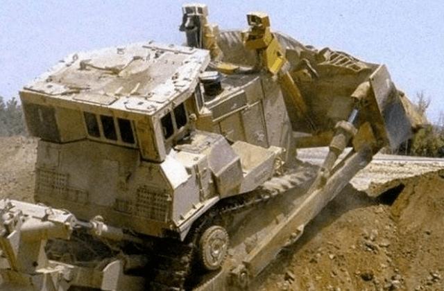 世界上最奇特的装甲车 在巷战中几乎无敌 RPG还不错