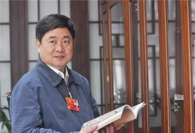 """文旅部解答中国旅游业现状及如何应对""""十一""""大考"""