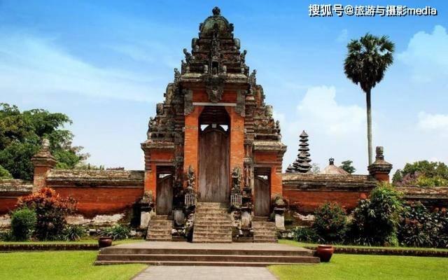 世界最寒酸的皇宫,逛一圈只要10分钟,只要有钱就能在此住宿!