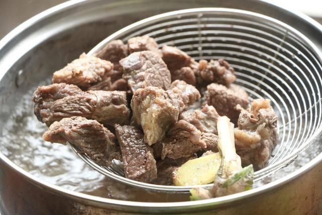 伏天最爱的一锅炖,有肉有菜有汤汁,夏天就吃这一口真够味 ..._图1-5