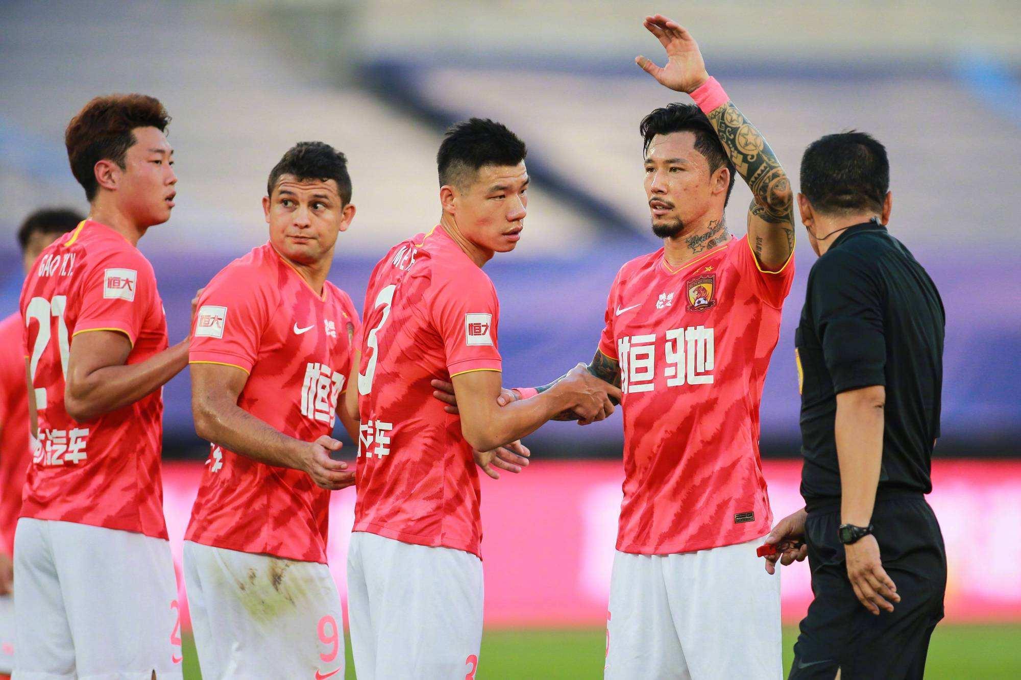 驯化球员为何刺激本土前锋进攻,韦世豪和刘云