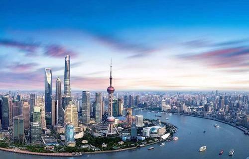 上海GDP超3万亿,作为中国第一,能和美国纽约比吗?