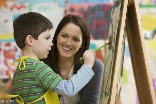 表扬孩子≠鼓励孩子!其中的差别原来这么大