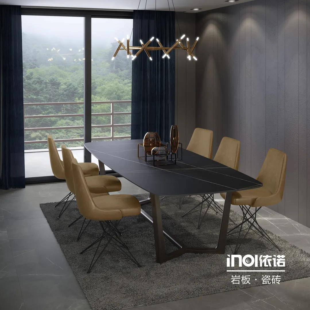 <strong>一波家具新产品很快就要上市了。</strong>