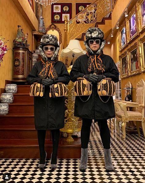 原创             泰国网红带妈穿亲子装炫富,浮夸搞怪登杂志,爱马仕只配当背景墙