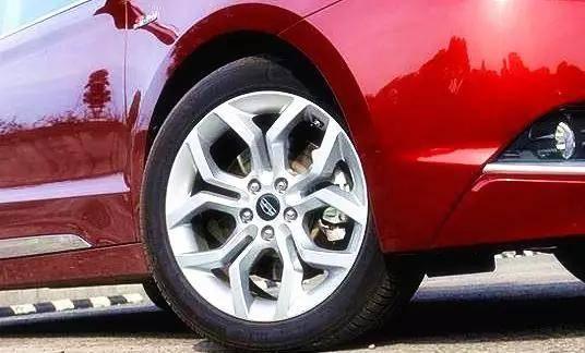 其实汽车油耗突然增高一般是由于汽车