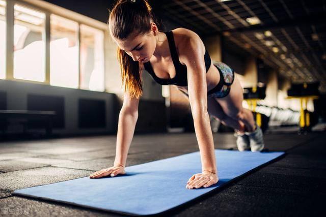 俯卧撑个数,代表你的身体健康指数!你能一次性完成30个吗?