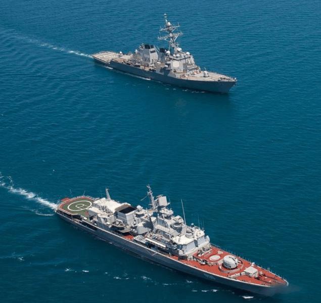 """乌克兰最大军舰,满载排水量3600吨,已沦为迎来送往的""""礼宾舰"""""""