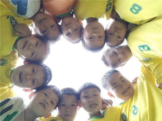 """如何让足球""""踢""""进幼儿园?教育部最新发文告诉你答案!"""