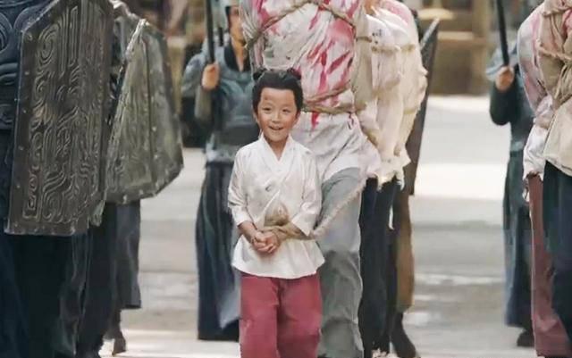 皇帝大赦放出一死囚,不料造就一代雄主,为中国打