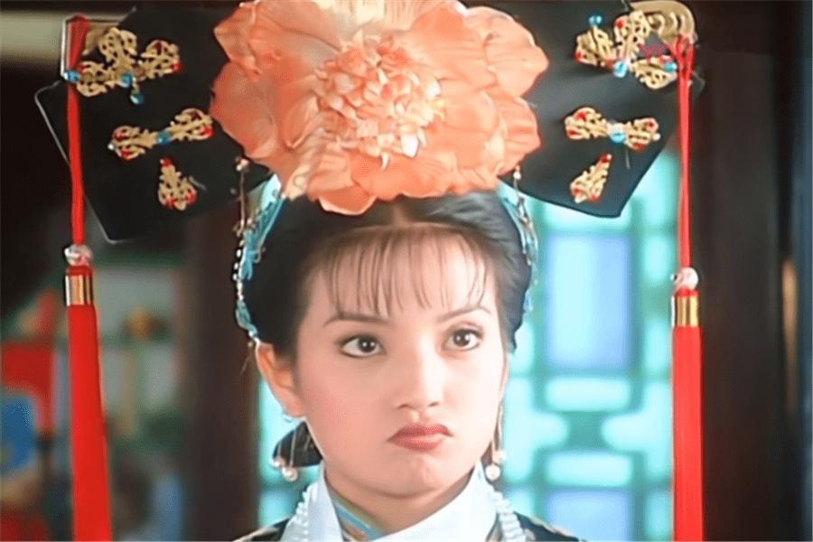 还珠格格:小燕子天不怕地不怕,为何只听令妃的话?其实原因很简单