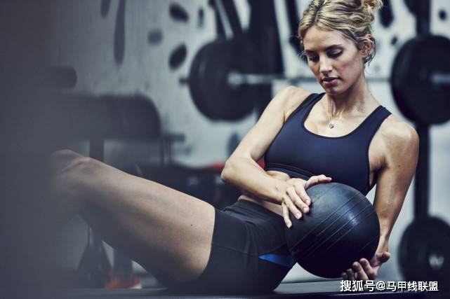 减肥期间,瘦下来后想要拥有好身材,力量训练不可忽略!