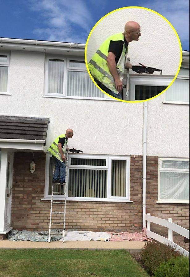 英国糊涂粉刷匠意外走红,工作多年刷错8套房子,雇主感慨习惯了_中欧新闻_欧洲中文网