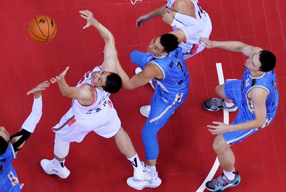 """CBA全力以""""复""""的50天 为中国体育界注入强心剂"""