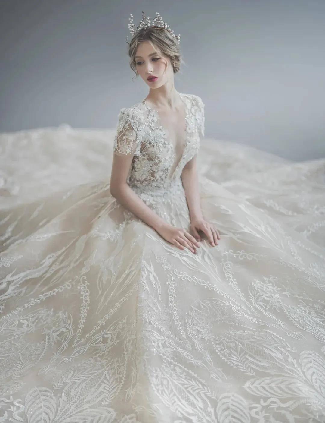 500㎡展厅,60多个婚纱品牌,她把全世界绝美的婚纱都搬到了这里!