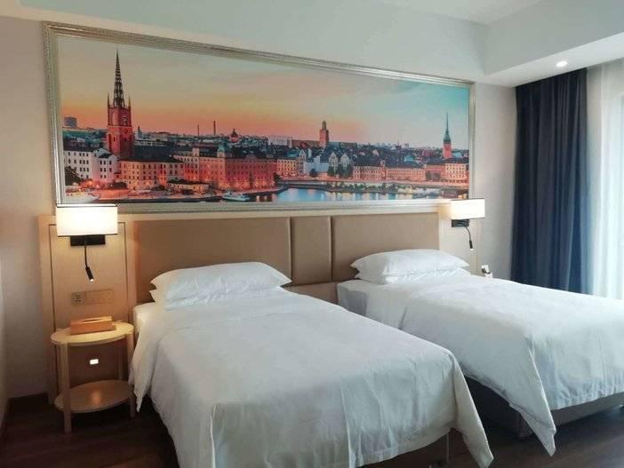 299元抢融创星光岛维也纳酒店+双早+融创主题乐园4次票2张