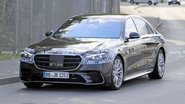 奔驰全新一代S级动力系统曝光,V8、V12发动机继续使用
