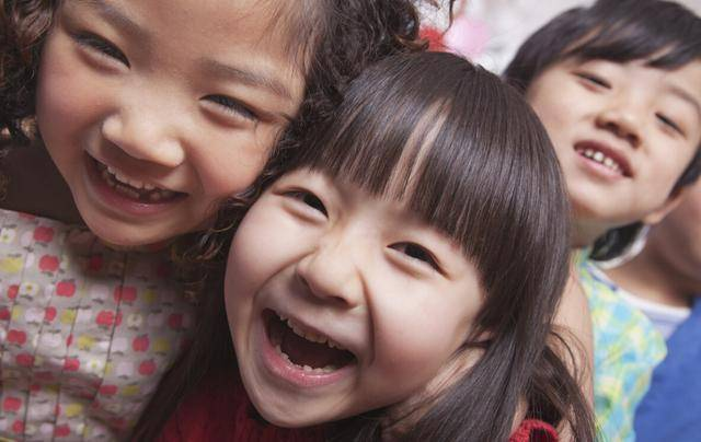 """原创爸爸姓""""梅"""",给女儿起个霸气的名,老师点名时,全班同学都叫好"""